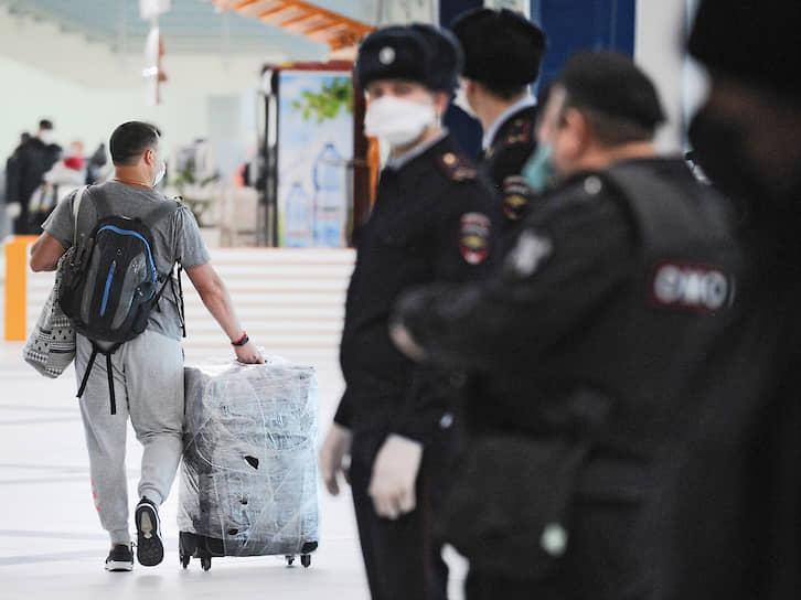 Официальных точных сведений о количестве россиян, которые хотят вернуться домой, нет