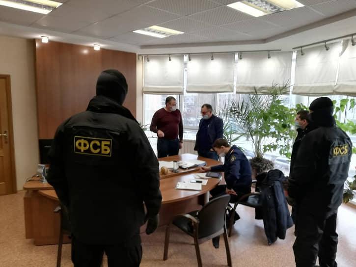 На Алтае руководство медцентра «Добрый доктор» задержали за хищение 170 млн рублей