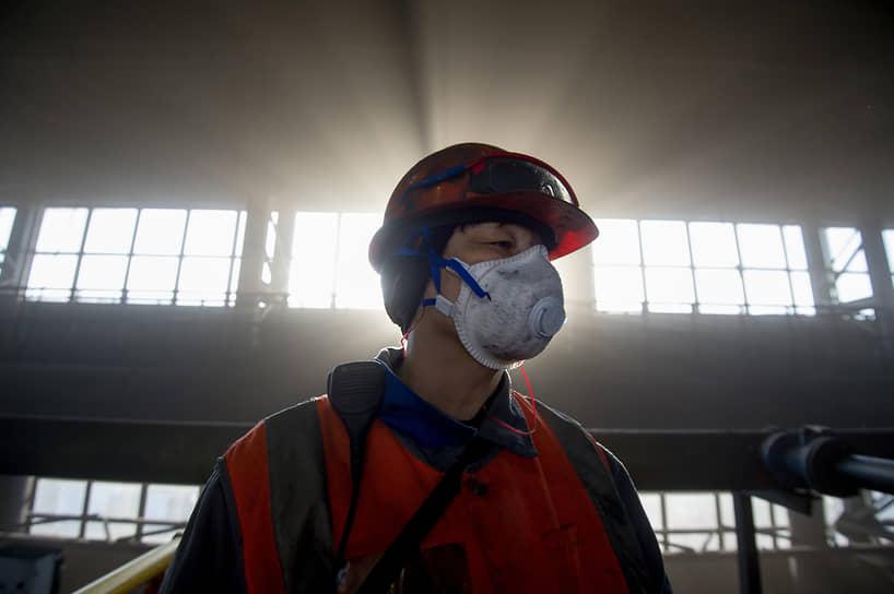 Сотрудница угольной обогатительной фабрики компании «Сибирский антрацит»