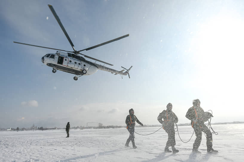 Специалисты парашютно-десантной пожарной службы Новосибирской базы авиационной охраны лесов также могут принимать участие в тушении огня в соседних регионах