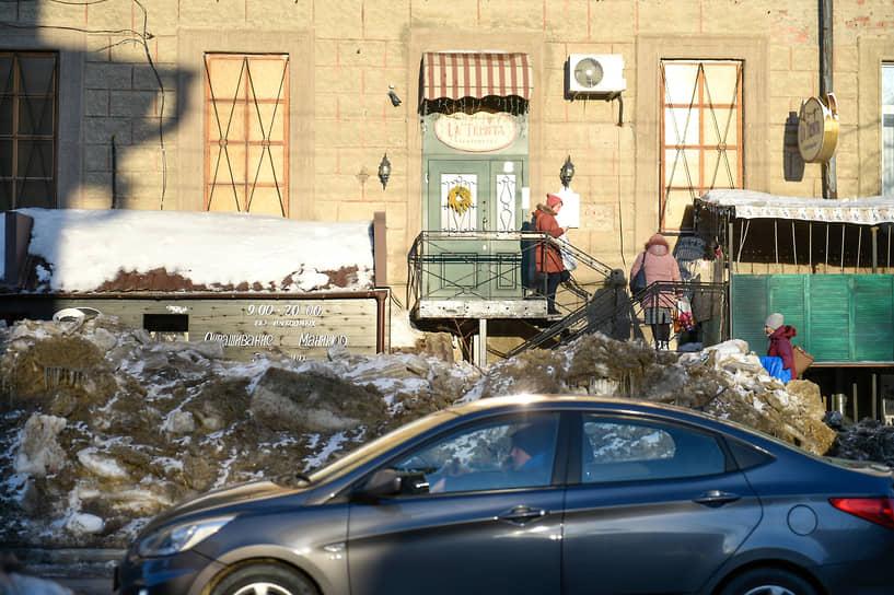 Виды Новосибирска во время ввода режима повышенной готовности из-за активного таяния снега