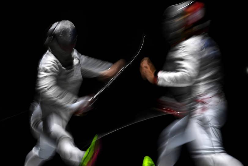 Первым победителем чемпионата России по фехтованию стал Константин Лоханов. Спортсмен из Саратова завоевал золотую медаль в личном первенство по сабле