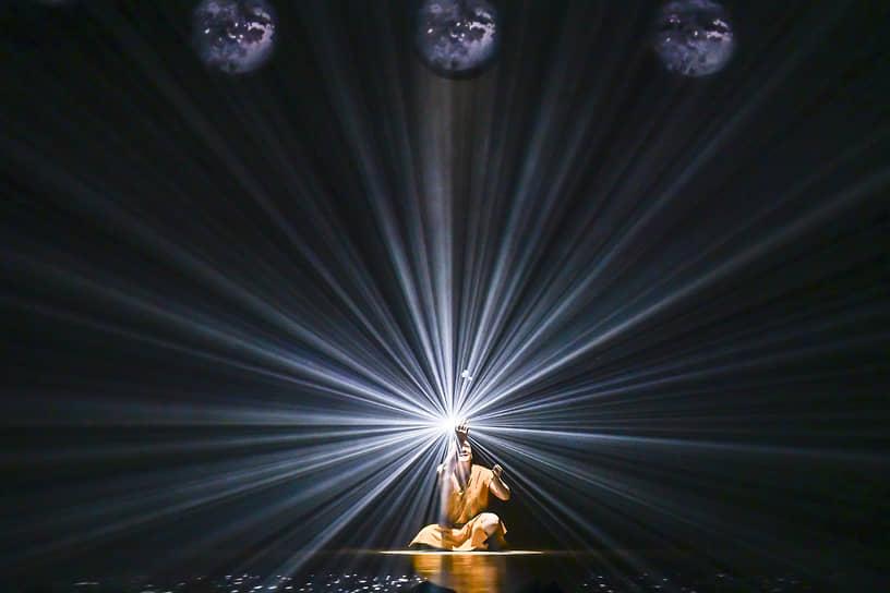 Спектакль «Танго, упавшее в небо» Большого театра кукол