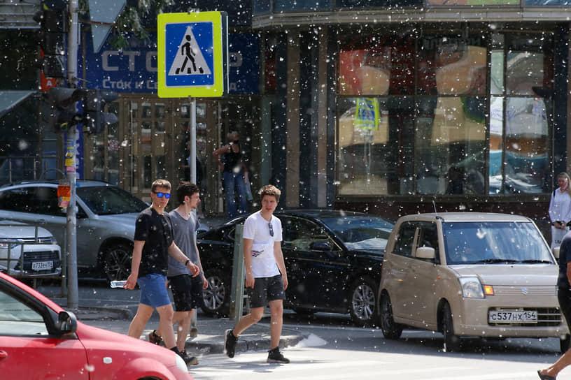 Красноярские медики сообщили, что к росту заражений привели активность жителей и пренебрежение средствами профилактики (ношения масок, соблюдения дистанции)
