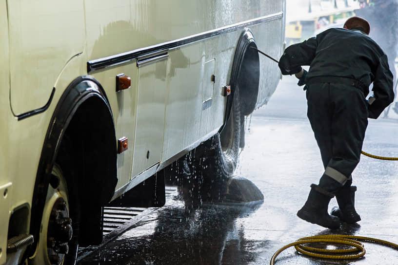 Рейд министерства транспорта Новосибирской области по санитарной обработке транспортных средств в городе Новосибирске в период действия режима повышенной готовности из-за COVID-19