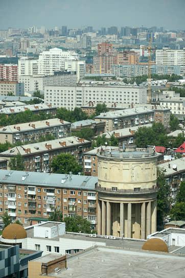 Водонапорная башня на Площади Маркса в Новосибирске им. Дмитрия Глушкова была построена 1938—1939 годах. В 2005 году признана памятником архитектуры местного значения