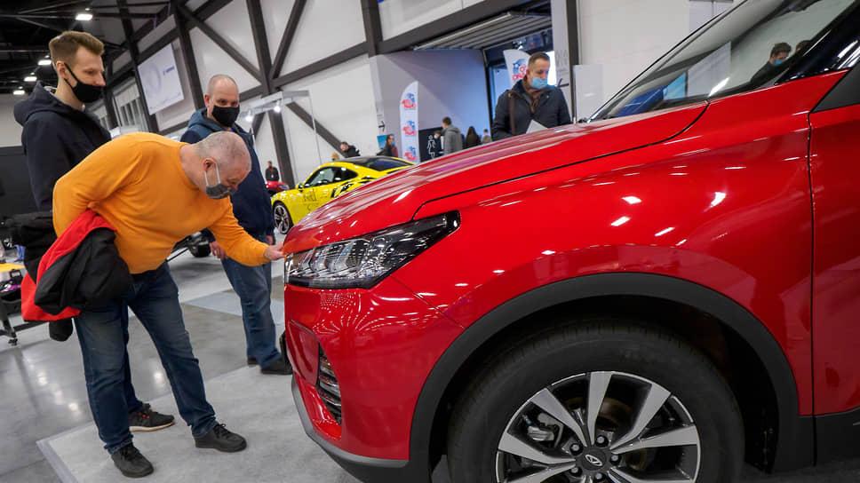 Автосалоны сошли с дистанции / За последние два года в Сибири закрылись 43 дилерских центра, или 12% от общего числа