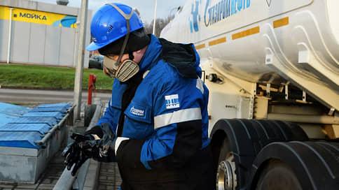 «Газпромнефть» дозаправилась от бывшего партнера  / Компания получила заправки «Феникс Петролеум»