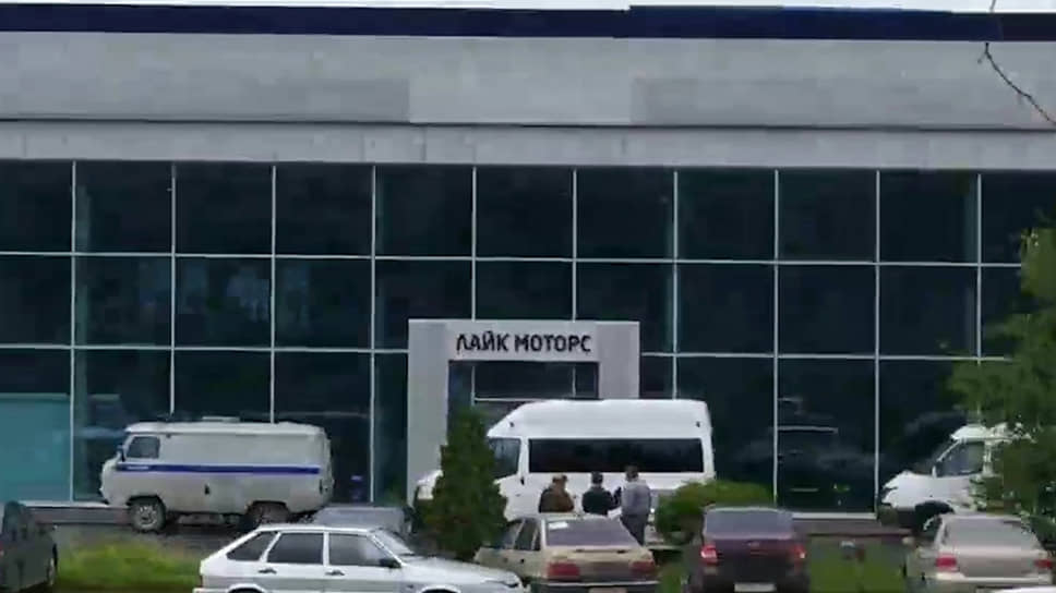 Лайф моторс автосалон москва автоломбард продать машину