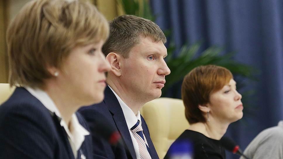 Врио губернатора Пермского края попросил членов кабмина вернуть «золотые парашюты»