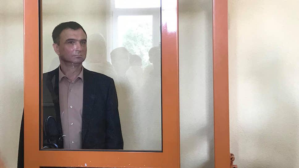 Минувшим летом был задержан бывший главный судебный пристав Прикамья Игорь Кожевников. Ему инкриминируется совершение девяти преступлений, касающихся получения взяток на различные суммы. Сам Игорь Кожевников настаивал, что его оговорили.