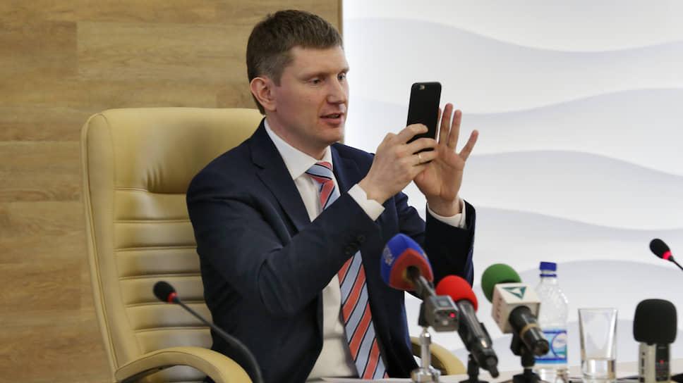 Одно из первых действий Максима Решетникова на посту губернатора — создание страницы в Instagram. Краевые чиновники и главы муниципалитетов тоже зарегистрируются в Instagram, но уже в добровольно-принудительном порядке.