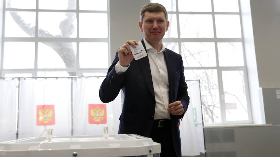 На выборах губернатора Пермского края Максим Решетников победил при поддержке 82,6% избирателей. Эксперты связывали этот результат с надеждой на перемены и недопуском к выборам кандидатов, способных составить реальную конкуренцию.