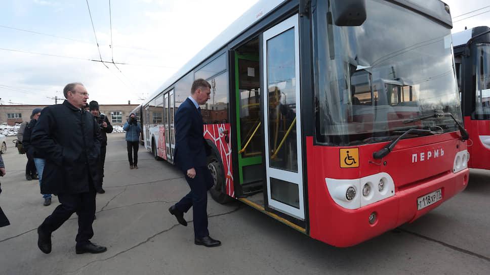 В 2018 году Максим Решетников поддержал реформу общественного транспорта Перми: было закрыто троллейбусное движение и фактически восстановлен муниципальный автопарк. На средства в том числе краевого бюджета было куплено 85 новых автобусов, а также восемь новых вагонов трамвая. Стоимость проекта — 1,5 млрд руб.
