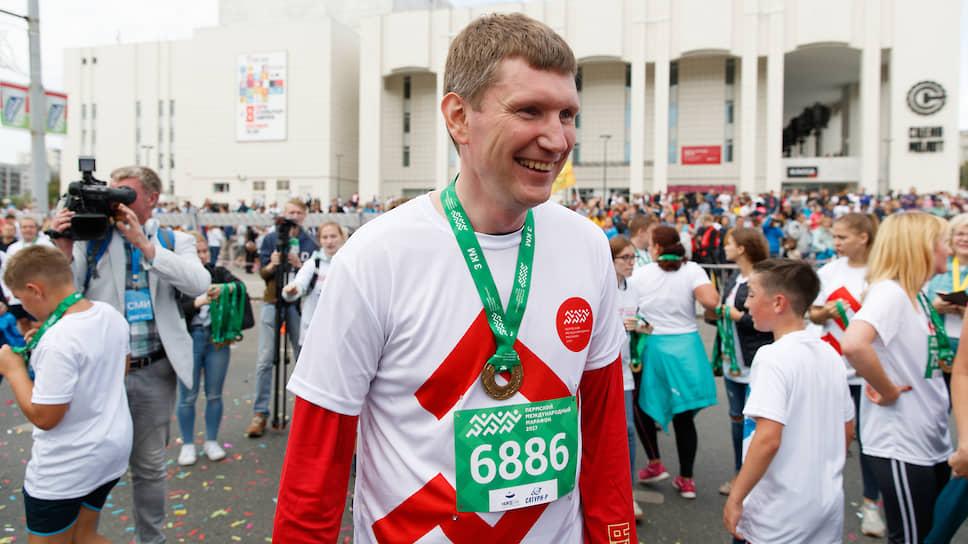 По инициативе Максима Решетникова был организован ежегодный Пермский марафон, в котором губернатор участвовал лично. А тренировавший главу региона Владимир Епанов возглавил краевое министерство спорта.