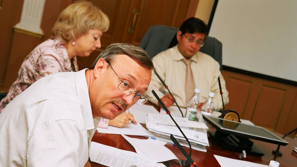 Владимир Рыбакин еще дважды избирался в парламент — в 2001 году (снова от Кунгура) и в 2006-м (пройдя по партийным спискам «Единой России») В последнем для себя созыве возглавлял комитет по бюджету и внебюджетным фондам. В 2001 году, уже после того, как стало известно о победе на губернаторских выборах Юрия Трутнева, поддержал нового главу региона.