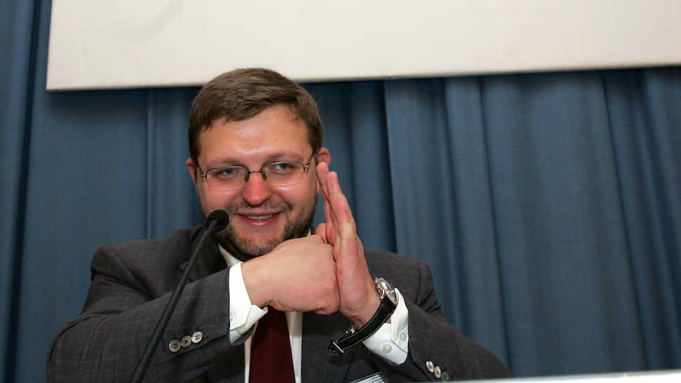 Лидером пермского отделения СПС Никиту Белых избрали в конце 2002 года. Незадолго до этого из союза в «Либеральную Россию» ушел руководитель пермского отделения Виктор Похмелкин.