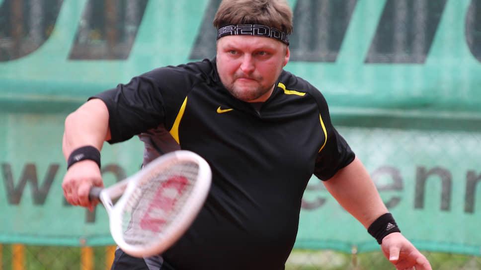 На посту кировского губернатора Никита Белых озаботился своим здоровьем и внешним видом — он принялся активно худеть. На фото: губернатор Кировской области Никита Белых в Перми на теннисном турнире «Большой тандем».