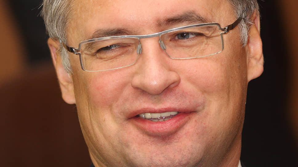 В начале 2006 года краевые власти нашли клубу нового инвестора, который выразил желание поддерживать «Урал-Грейт» на условиях софинансирования с краем,— гендиректора ООО «Пермрегионгаз» Андрея Агишева.