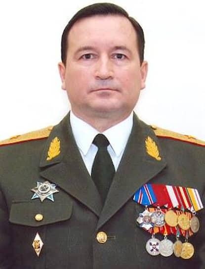 У министра территориальной безопасности Виктора Базматова подтвердился COVID-19. Заболевание протекает бессимптомно, господин Базматов проходит лечение дома.