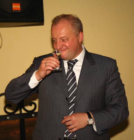 В 2005 году исполняющим обязанности мэра Перми был назначен Игорь Шубин, бывший вице-губернатор Пермской области и экс-глава «Пермрегионгаза». В марте 2006 года он выиграл выборы главы города. Игорь Шубин стал последним всенародно избранным мэром. Летом 2010 года он поддержал инициативу Москвы об отмене прямых выборов и назначении мэров из числа депутатов гордумы.