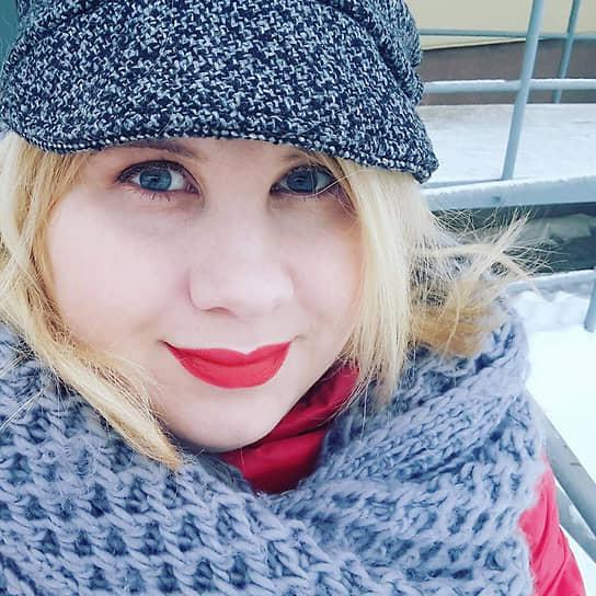 В тот же месяц в Перми скончалась 36-летняя главный редактор еженедельника «Деловой интерес» Анастасия Петрова. Ее смерть стала одним из первых летальных исходов среди пациентов с COVID-19 в регионе. Последние несколько дней журналистка находилась на аппарате ИВЛ.