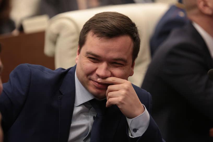 Среди членов команды нового губернатора источники называют и председателя избирательной комиссии Пермского края Игоря Вагина. По мнению экспертов, выборы главы региона в этом году прошли без интриги и политической конкуренции, но и без особых скандалов.