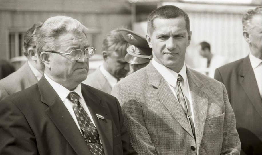 Конец 1990-х. Юрий Трутнев занимает должность мэра Перми. Рядом с ним — губернатор Пермской области Геннадий Игумнов, которого господин Трутнев сменит на этом посту через несколько лет.
