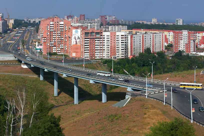 Организация также активно привлекалась к строительству внутригородских путепроводов, помогая избавлять город от автомобильных заторов. В 2004 году предприятие построило так называемую Среднюю дамбу.