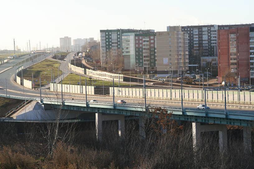 Одним из крупных проектов стало строительство европейской дороги, соединившей Индустриальный (ул. Стахановская) и Мотовилихинский (м/р Ива) районы.