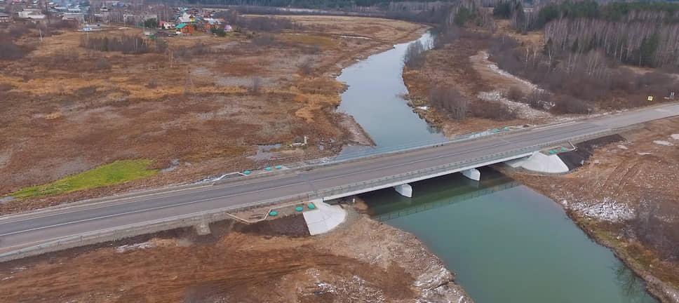 Помимо крупных мостов, «Мостоотряд» построил десятки более мелких, но важных сооружений. Только с 1977 по 2007 год организация построила в крае 151 сооружение, из них свыше 8,6 тыс. км автодорожных мостов и свыше 800 м железнодорожных (на фото — мост в Нытве).