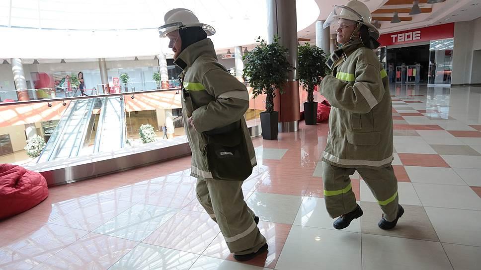 С должной осмотрительностью / После пожара в «Зимней вишне» интерес к пожарной безопасности у владельцев ТЦ постепенно стих