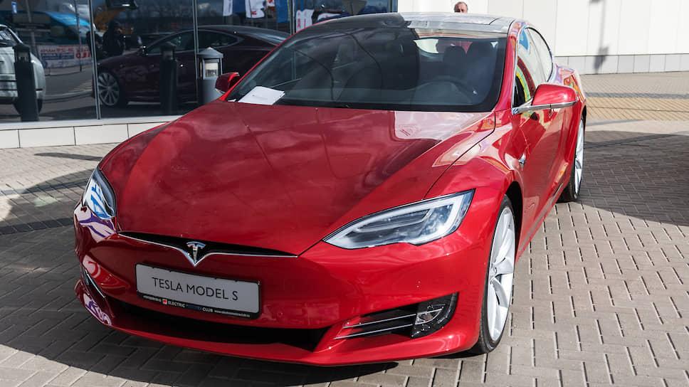Tesla – одна из самых популярных моделей электромобилей