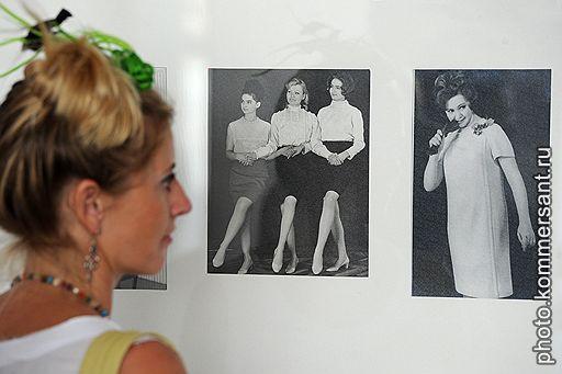Камерная выставка в петербургском ЦПКиО рассказывает больше о женских характерах, чем о моде