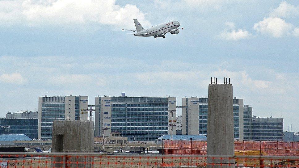Близость нового проекта конгрессно-выставочного центра к аэропорту стала для Смольного более сильным аргументом, чем близость к конкурирующему проекту