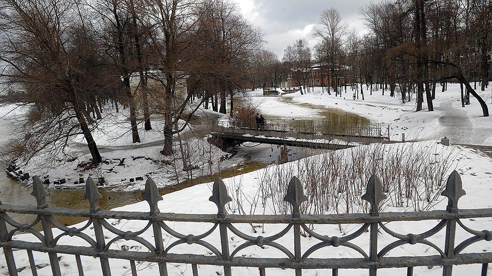 Лопухинский сад закроют на два года / Градозащитники предлагают с ремонтом подождать