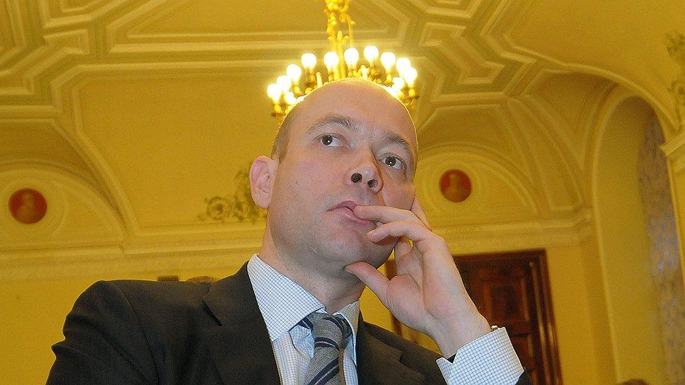Бывший глава комитета по строительству Петербурга Вячеслав Семененко сложил с себя полномочия советника губернатора и вернулся в бизнес.