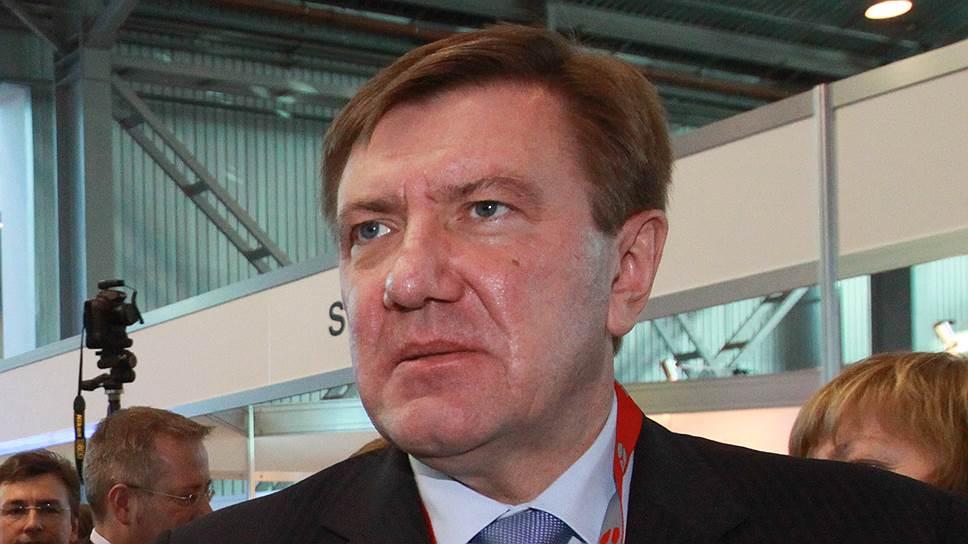 Председатель комитета Смольного по здравоохранению Валерий Колабутин осторожно комментирует ситуацию с закупкой медоборудования на почти полмиллиарда рублей