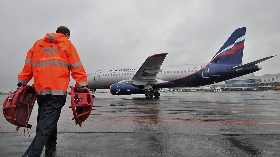 """""""Воздушные ворота"""" станут шире / Управляющая компания аэропорта сулит перевозчикам скидки на сборы"""