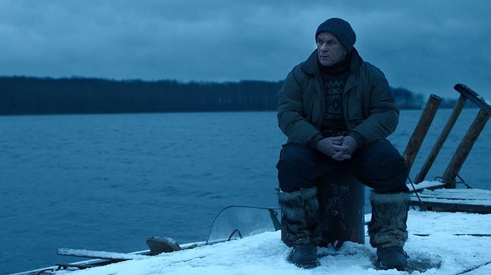 Поединок человека (Алексей Гуськов в роли рыбинспектора) с равнодушной природой представлен в фильме величественно, но не статично