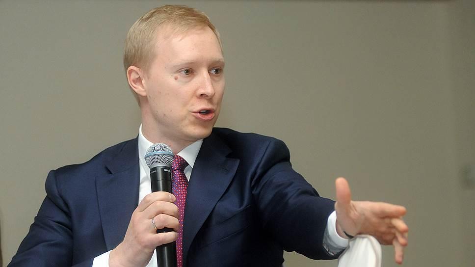 Найдя на рынке кредитные средства, Андрей Сизов, генеральный директор СПбЭС, вместо инвестпрограммы направил их на другие неотложные нужды