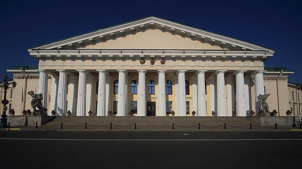 Совет утвердил научную ценность / Обсуждение заслуг председателя городского комитета госфинконтроля прошло в закрытом режиме