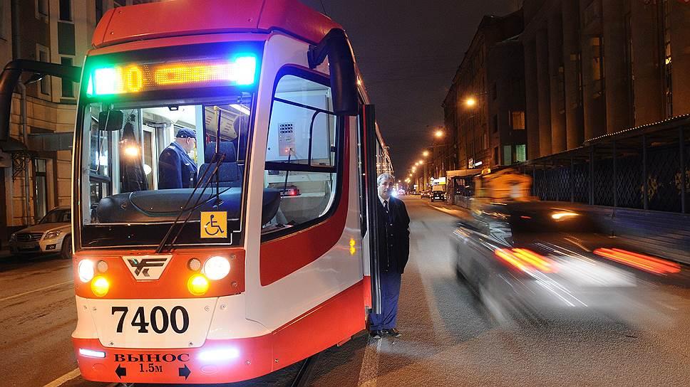 По оценкам экспертов, по немецким и чешским стандартам один километр трамвайной линии с учетом инфраструктуры и закупки подвижного состава обходится в €7–8 млн (490–560 млн рублей)