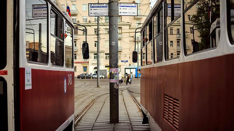 Смольный выбирает между двумя маршрутами / Конкурс на поиск концессионера для линии легкого рельсового транспорта будет объявлен летом 2017 года