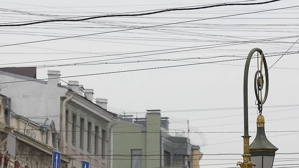 Интернет-провайдерам предложат смотать провода / Чиновники тянут операторов вподземную канализацию