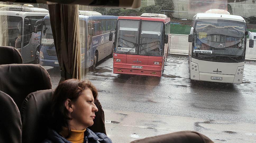 Автовокзалам сдвинули сроки / Объекты на Парнасе и в Купчино появятся на два года позже