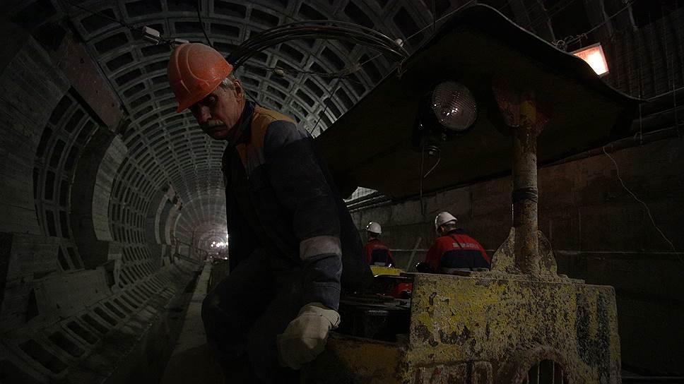 Фрунзенский радиус вырастет в цене / Смольный готов добавить денег на строительство участка фиолетовой ветки метро