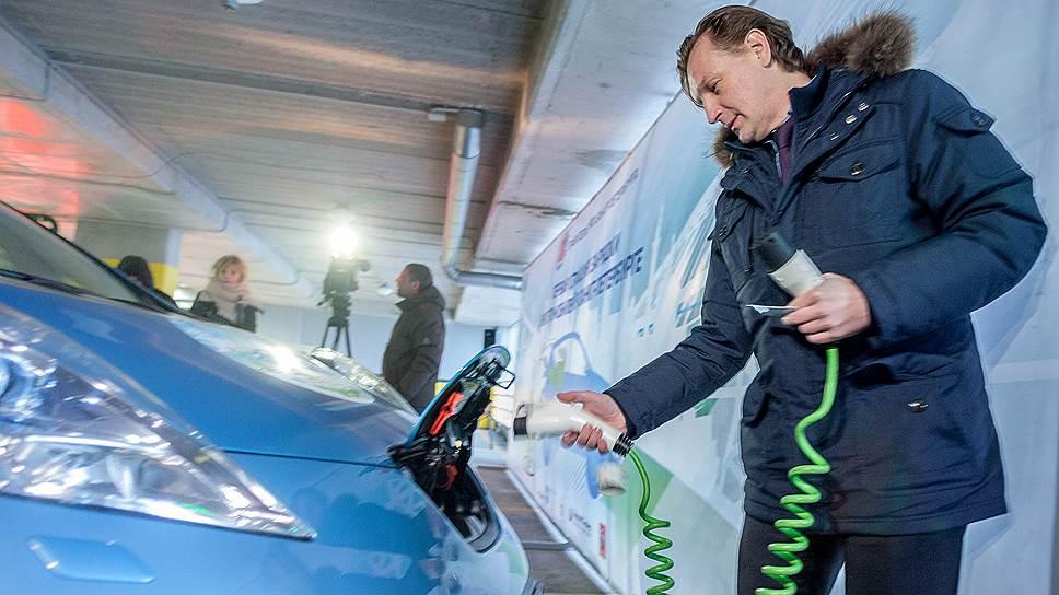 Сейчас на одну электрозаправку в Петербурге приходится всего три автомобиля