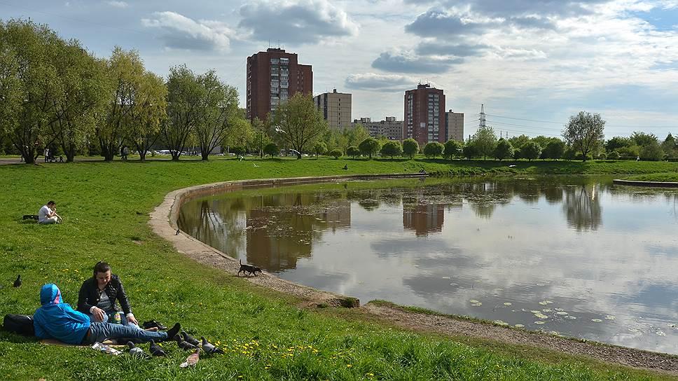 Вчера же ЗакС абсолютным большинством проголосовал за перевод территорию парка Малиновка из рекреационной зоны в зону деловой застройки