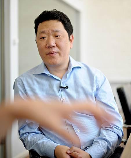 Директор группы компаний «Хуа Жэнь» Ван Линань и Управляющей Компании «Нихао»